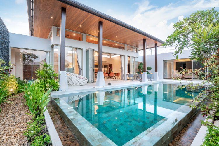 infinity backyard pool