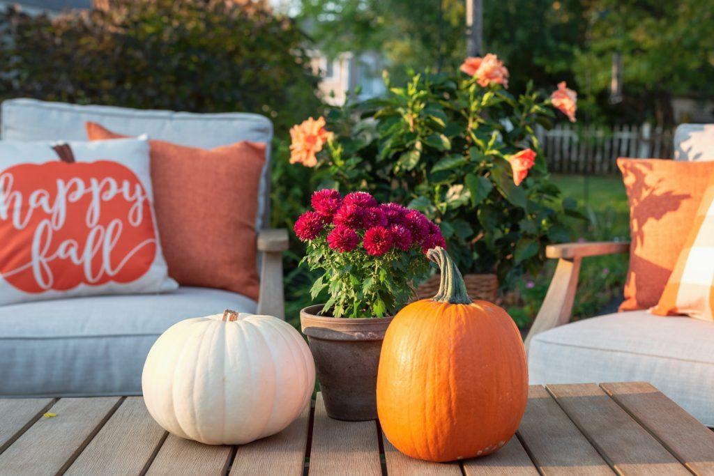 fall outdoor decor